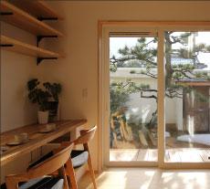 職人が作るオリジナル建具・家具。