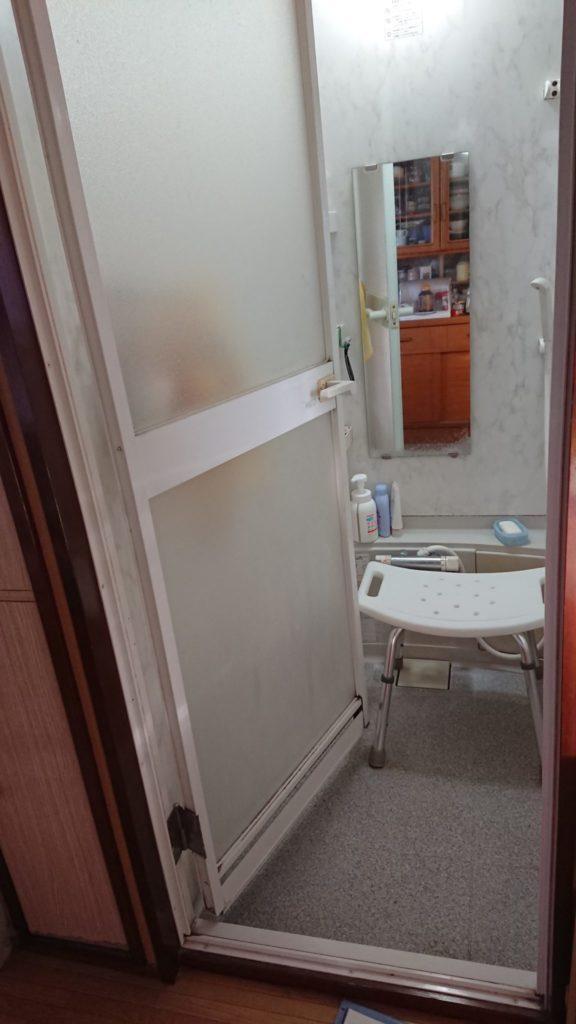 浴室のドアをリフォームBEFORE