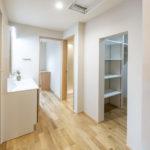 素材と質感にこだわった たたずまいの美しい家サムネイル22