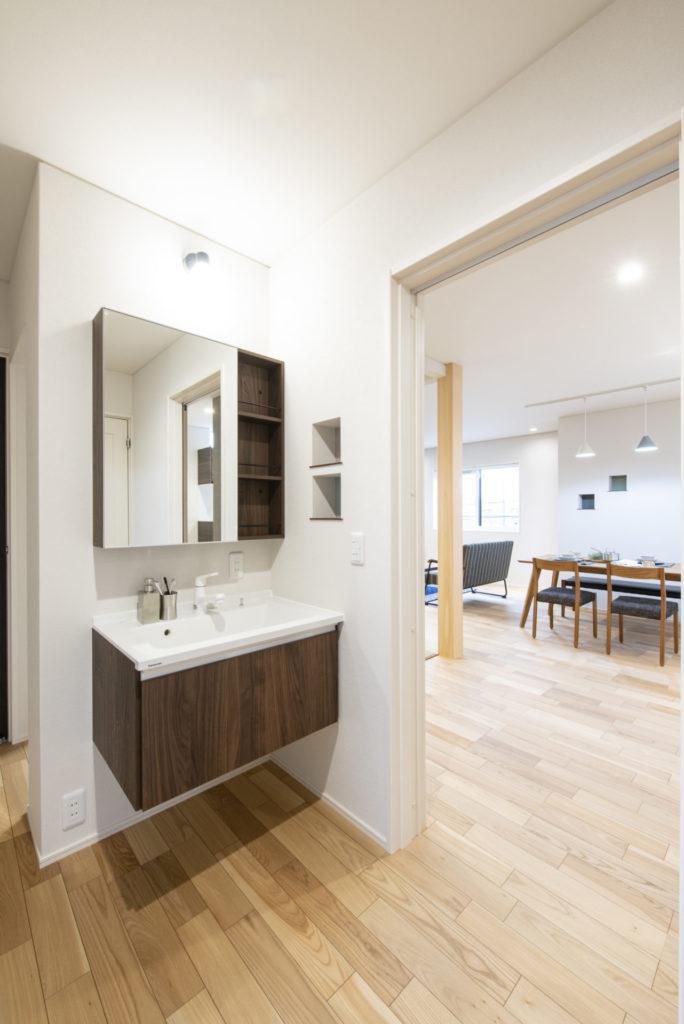 市街地に建つ2世帯住宅イメージ7